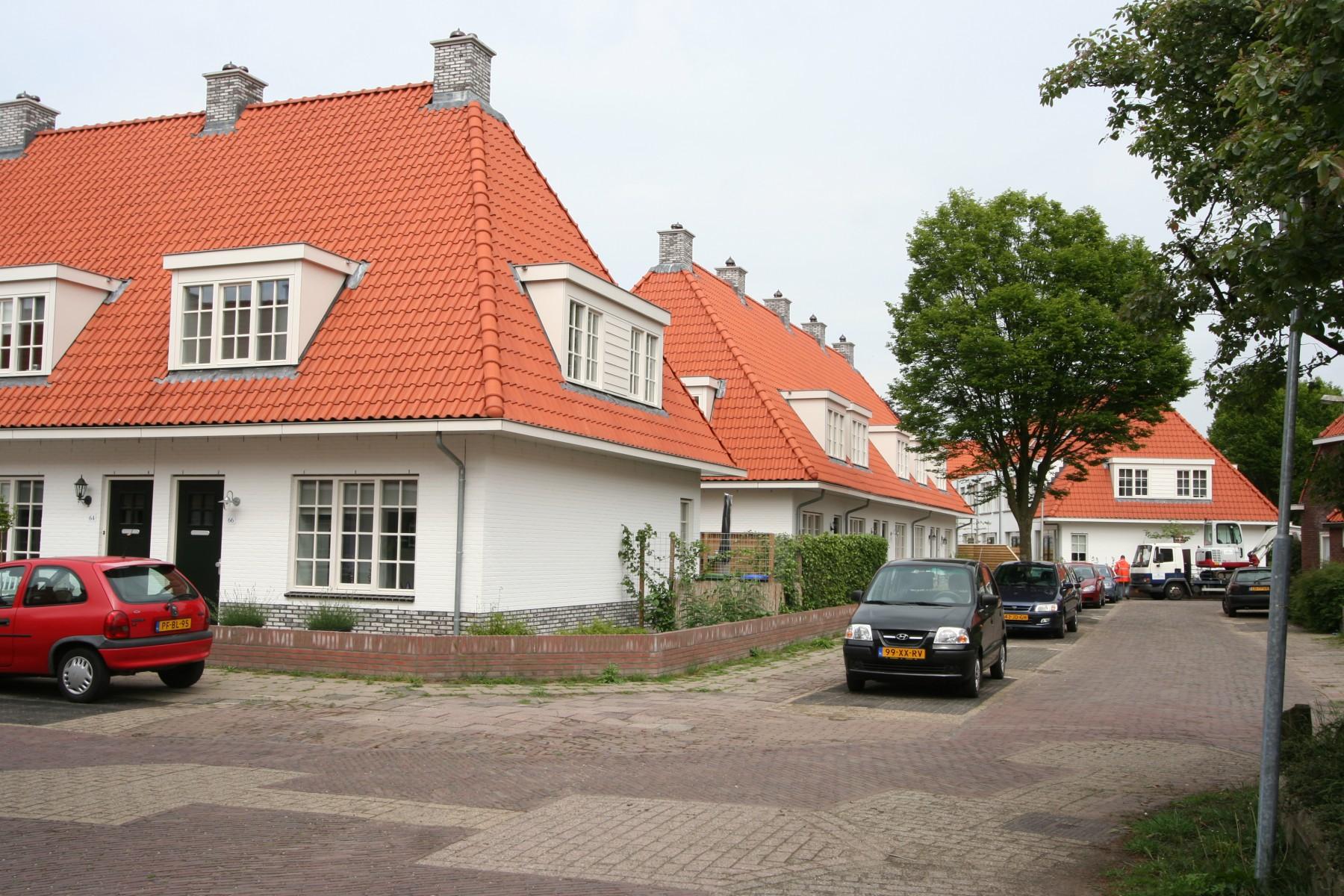 Bussum, Nieuwbouw witte woningen
